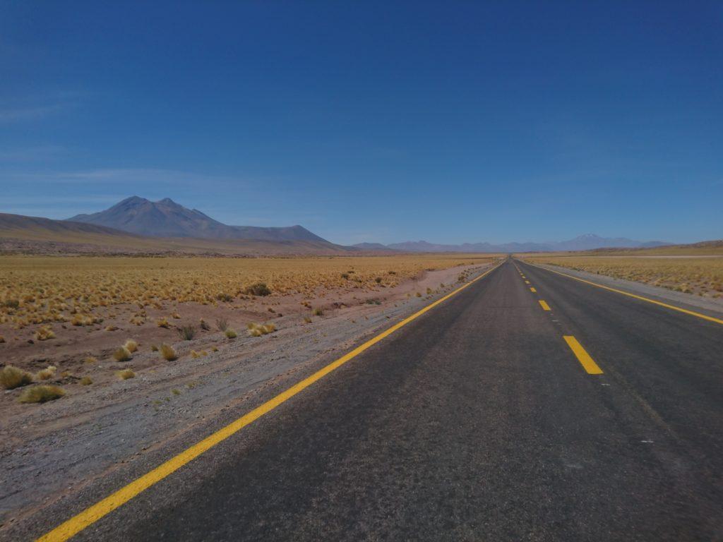 Route à San Pedro de Atacama, Chili