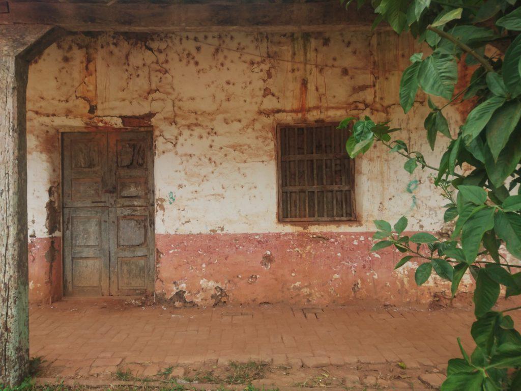 Maison abandonnée dans la région des Missions Jésuites, Bolivie