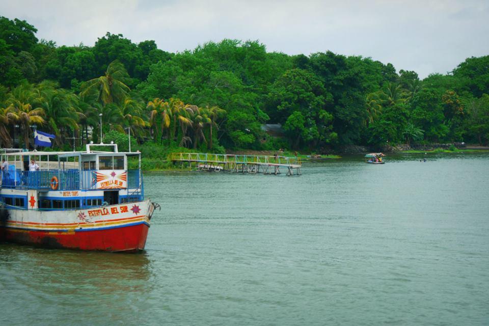 Bateau sur le fleuve San Juan, Nicaragua