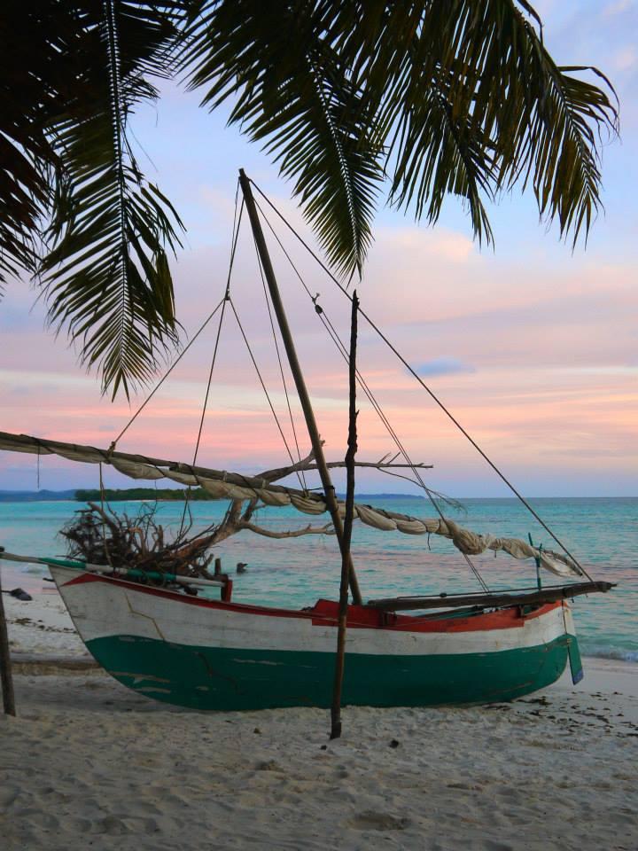 Bateau au coucher de soleil, Nosy Komba, Madagascar