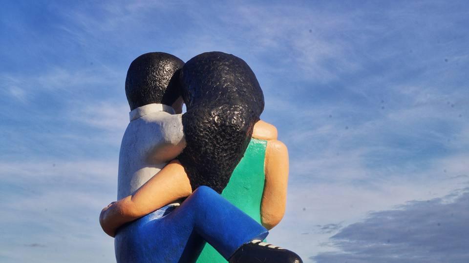 Statue des amoureux de dos, Puerto Montt Chili